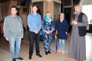 Для осужденных, состоящих на учете в уголовно-исполнительной инспекции, организовали экскурсию по церкви Рождества Пресвятой Богородицы в Семеновке