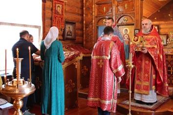 В день памяти святых Царственных Страстотерпцев в храме ИК-6 прошла Божественная литургия